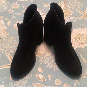 diba short boot 👢 w zip sides!